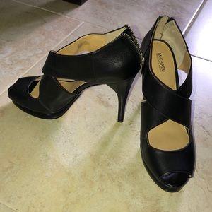 e8d9b965d3ee MICHAEL Michael Kors Shoes - Michael Kors Size 10M Black Heels